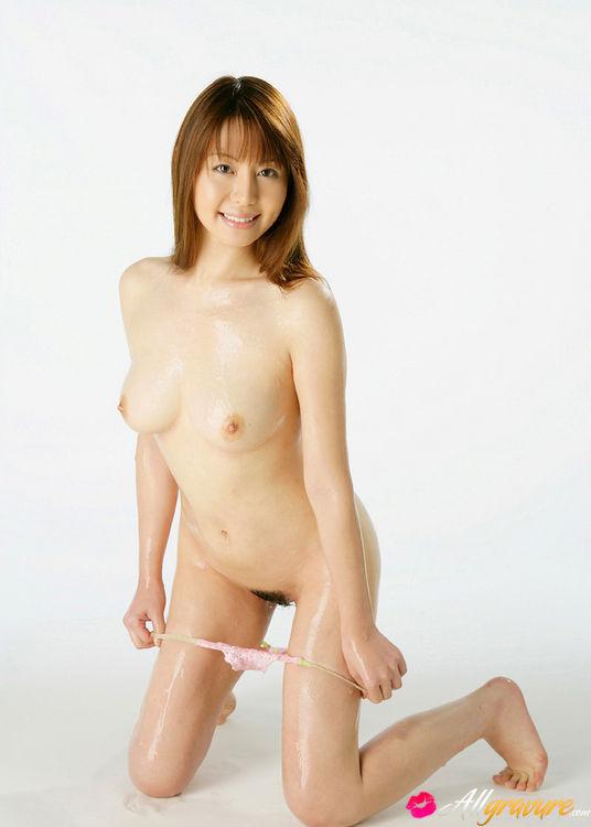Ai takeuchi gets her towel wet 5