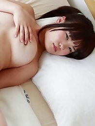 Japanese girls with big boobs make perfect chakuero idols!
