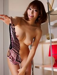 Beautiful and sexy Japanese av idol Asuka Kirara shows her amazing body naked