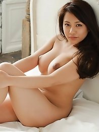 Japanese women in nude