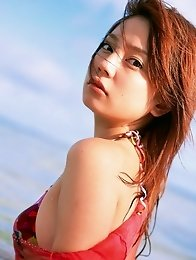 Lustful beauty Chinami Ishizaka is to die for in her bikini